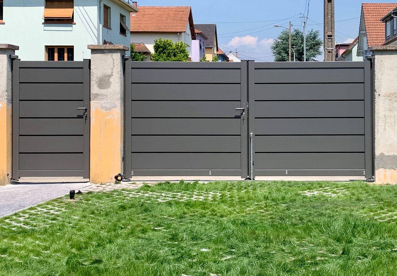 Read more about the article Réalisation d'un portail à lames persiennes